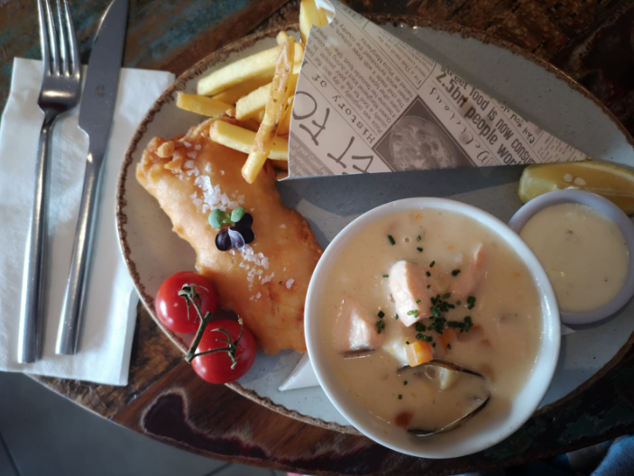 Lunch Combo - Mini fish & chips with a bowl of soup €3.50