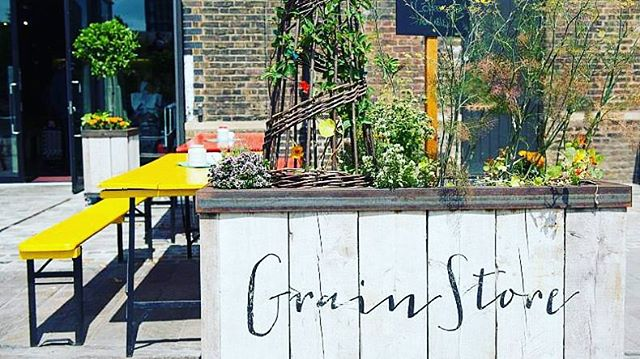 @grainstorekx is a firm favourite with Team Mews. Their menus celebrate sustainably sourced, seasonal vegetables 🌽🍆but meat and fish 🍖🐟also play a star role. The cocktails are killer and the restaurant has the feel of a big exposed kitchen. What's not to like? 👍⭐️❣️#MCrecommends #MCinLondon