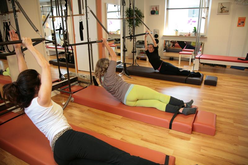 Pilates Side Bend Variation am Tower