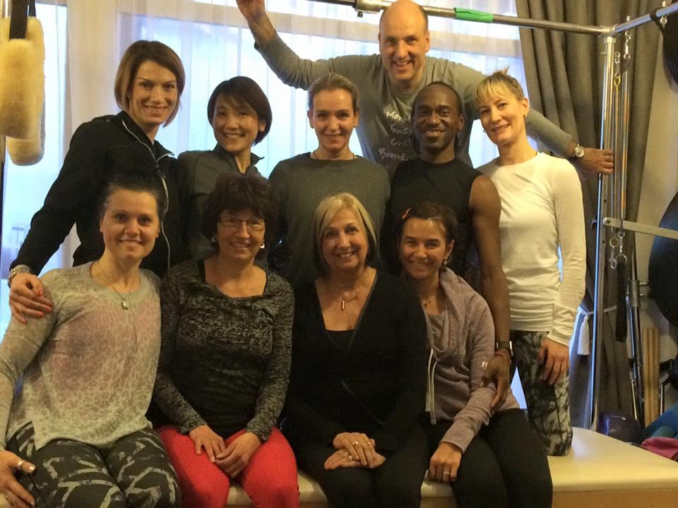 Obere Reihe von links nach rechts:  Iva ,  Nagi ,  Claudia ,  Reiner ,  Fabrice ,  Nicole  Untere Reihe von links nach rechts:  Suus ,  Anita ,  Kathy ,  Ilham