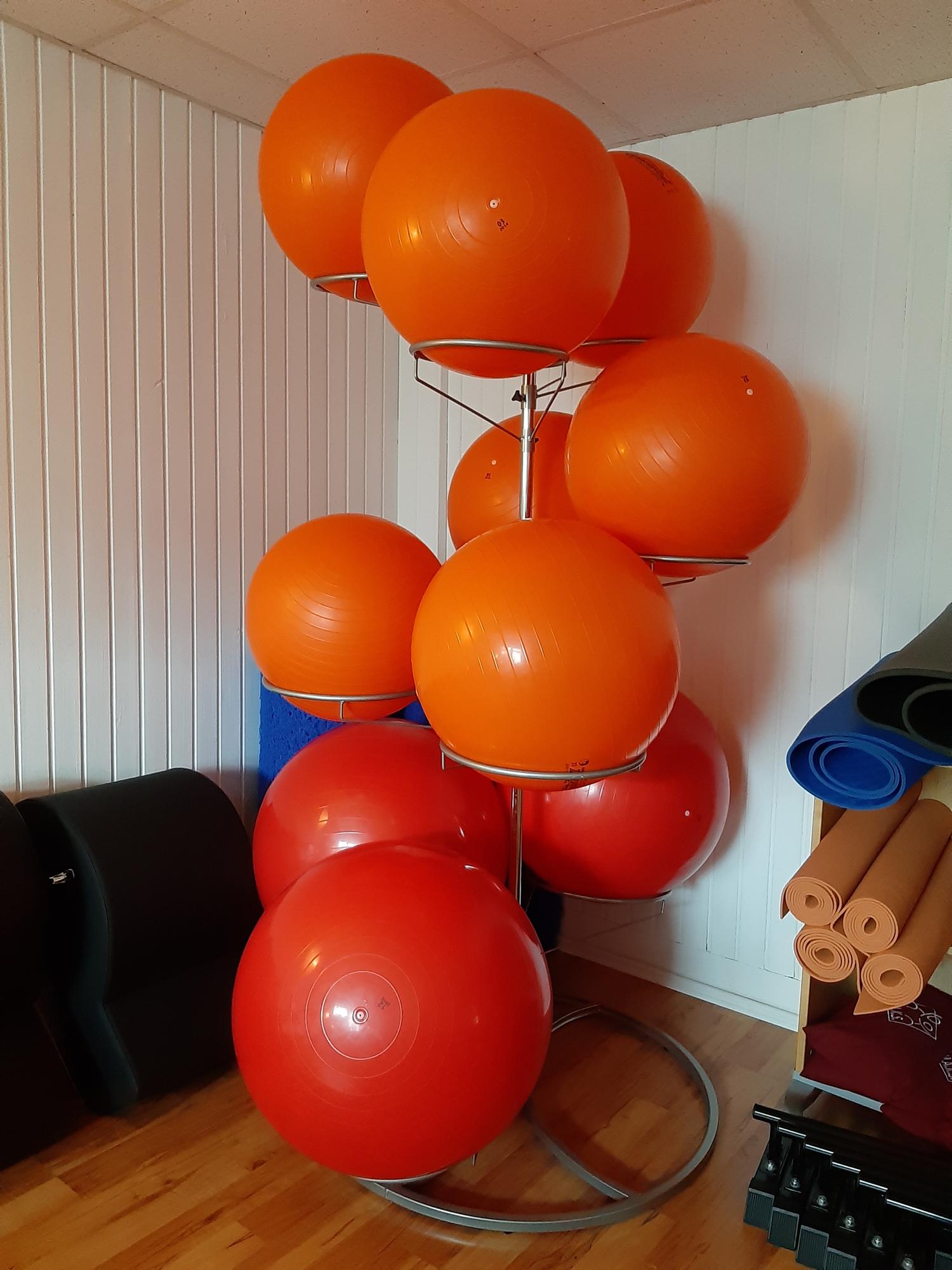 15-Swissballs-Damenumkleide.jpg