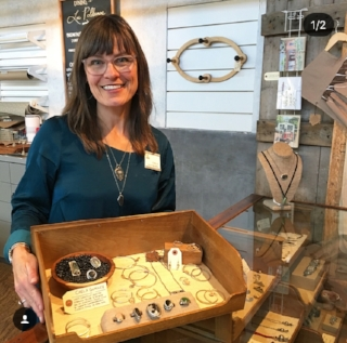 Interview with:  Chela Grunee , a local Jewelry Maker.