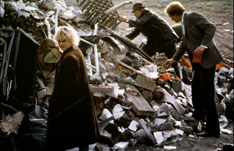 Cassie Stuart and Charles Dance in Hidden City (1987)