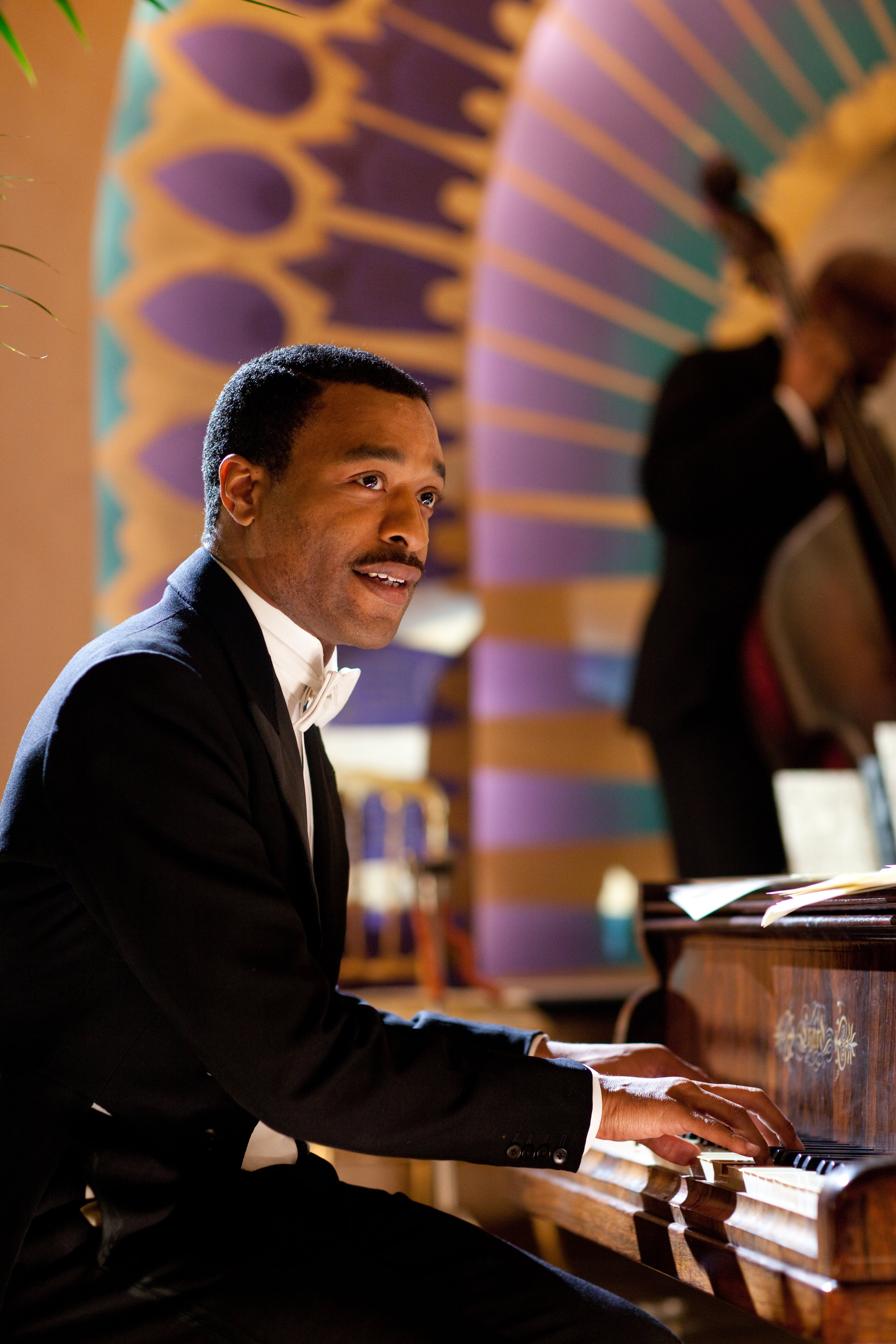 Chiwetel Ejiofor as Louis Lester in Dancing on the Edge (2013)