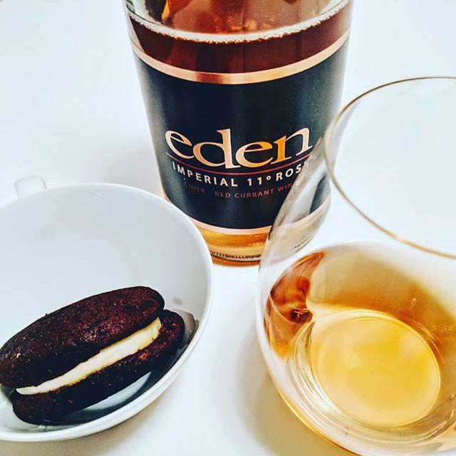 Perfect pairing: #onegirlcookies Whoopie Pie and @edenciders Imperial 11° Rosé