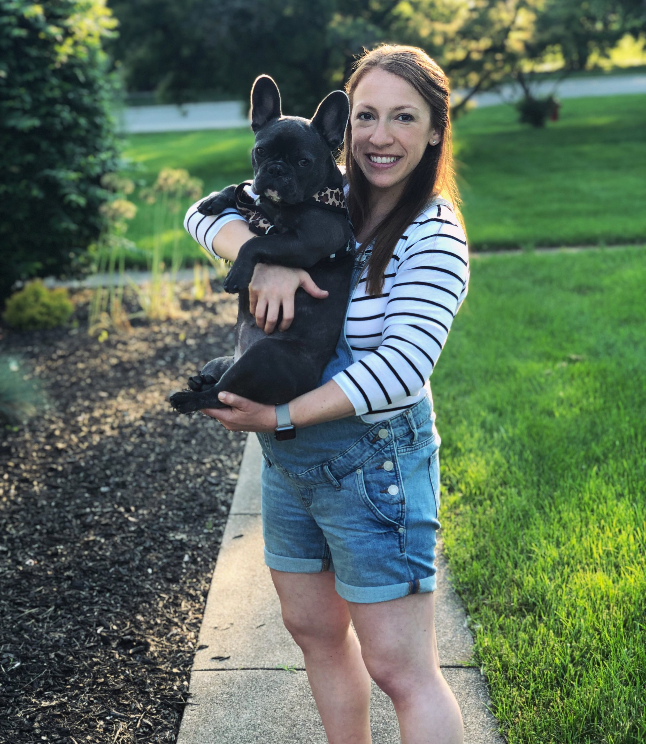 This picture doesn't have much to do with magnesium but pregnancy overalls are the best and so is Claudette the frenchie!