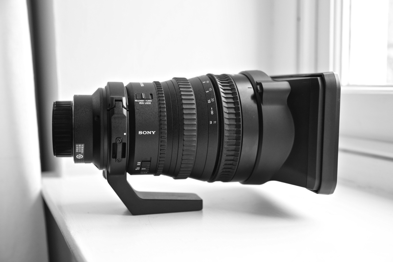Used Sony FE PZ 28-135 f/4 G OSS lens FOR SALE in excellent condition