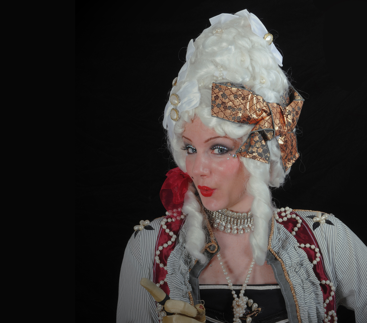 The Powdered Wigs, stilt performance 4, Divine Company.jpg