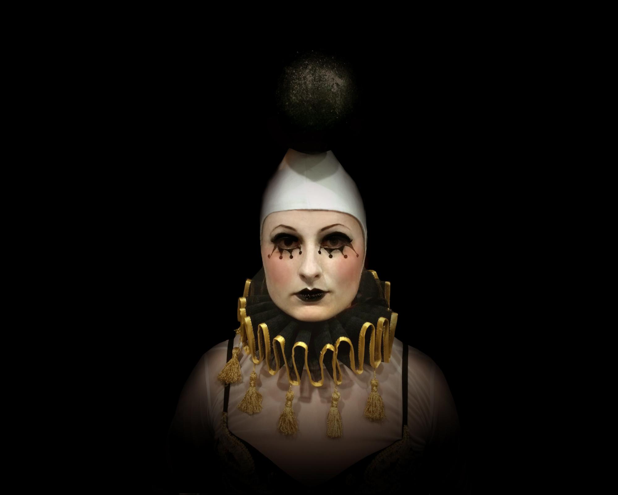 Human Chess, Monochrome ballet (black), Divine Company.jpg