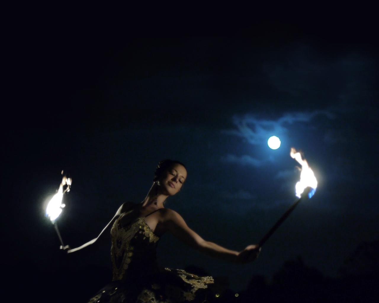 The London Cirque Ballet, Fire Performance 6, Divine Company - Copy.jpg