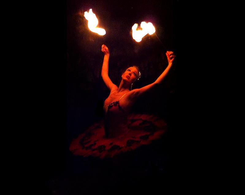 The London Cirque Ballet, fire performance 4, Divine Company.jpg