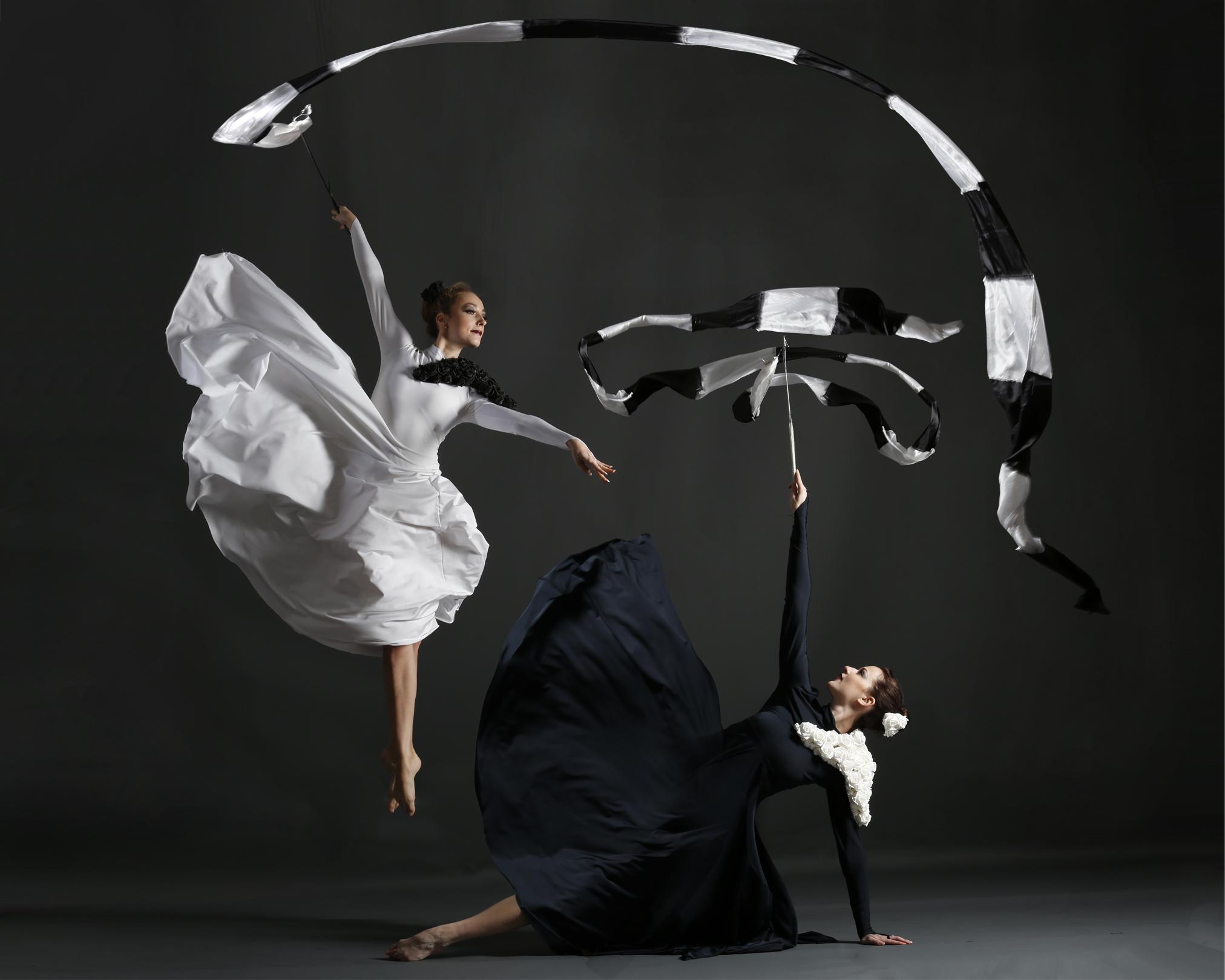 Light Emitting Dance in monochrome, Divine Company.jpg