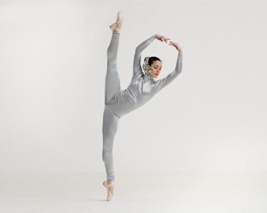 Silver, dance en pointe and gymnastics performance, Divine Company.jpg
