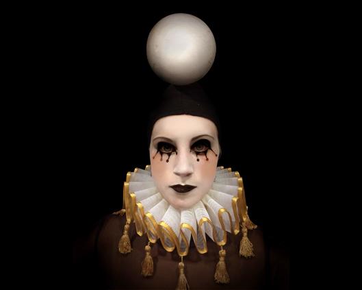 Human Chess, Monochrome ballet (white), Divine Company.jpg