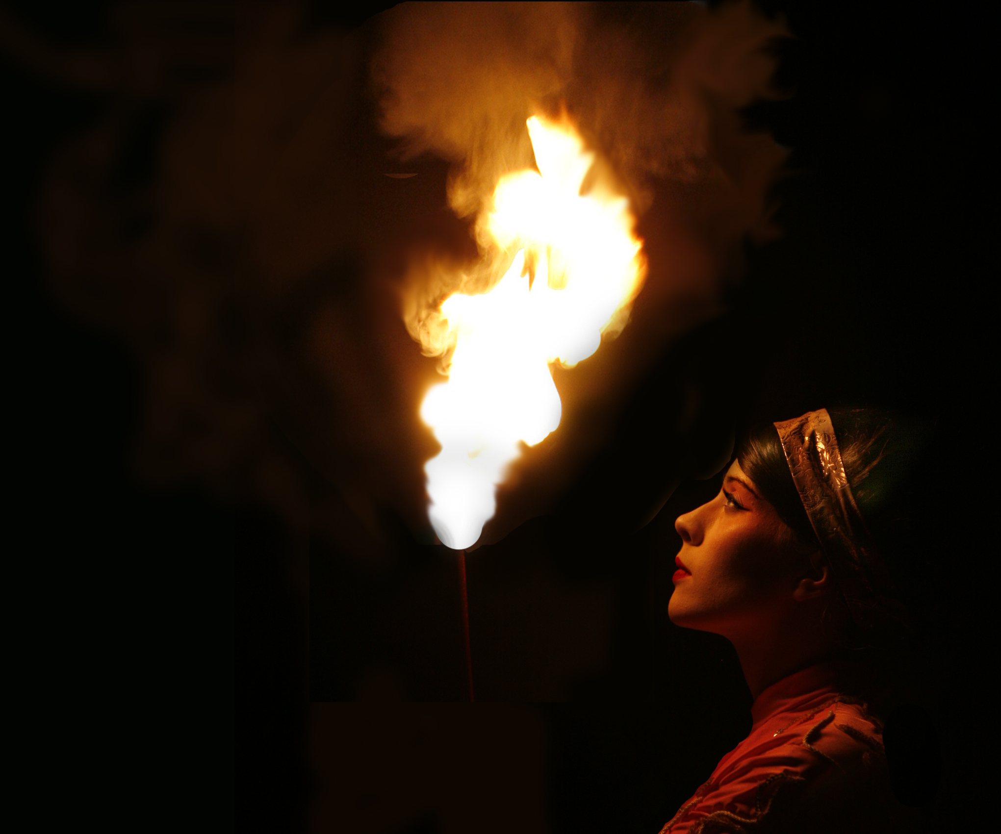 Geishas, fire performance, Divine Company.jpg