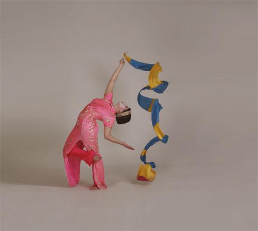 Geishas, ribbon performance 2, Divine Company.jpg