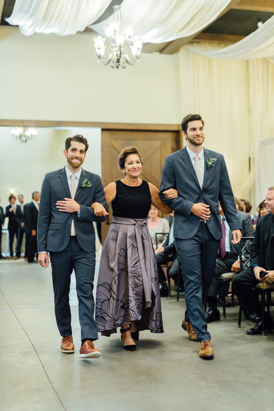 the-inn-at-leola-wedding-lancaster-pennsylvania-wedding-photographer-rebeka-viola-photograhy (53).jpg