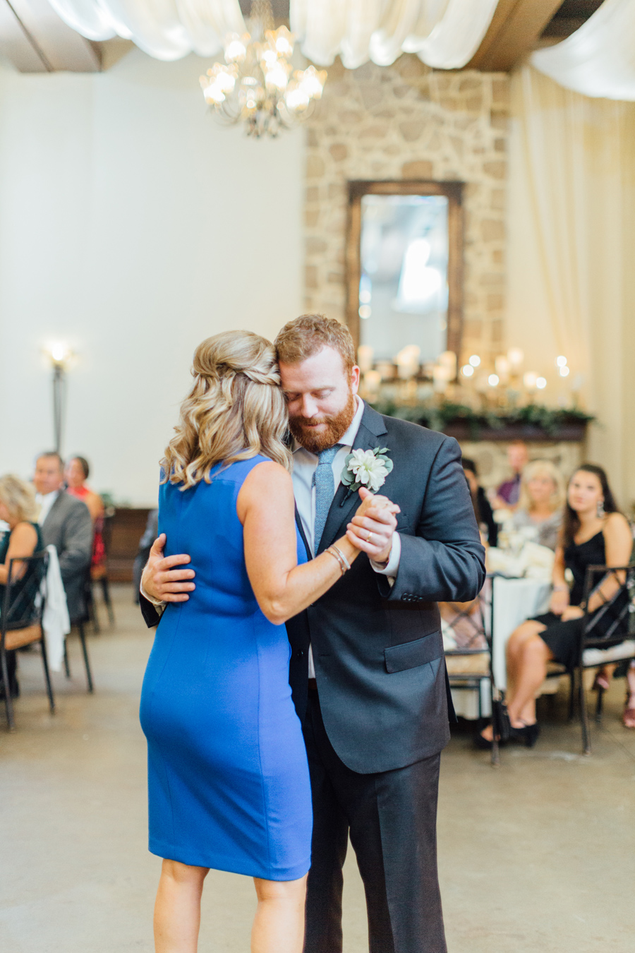 the-inn-at-leola-wedding-lancaster-pennsylvania-wedding-photographer-rebeka-viola-photograhy (117).jpg