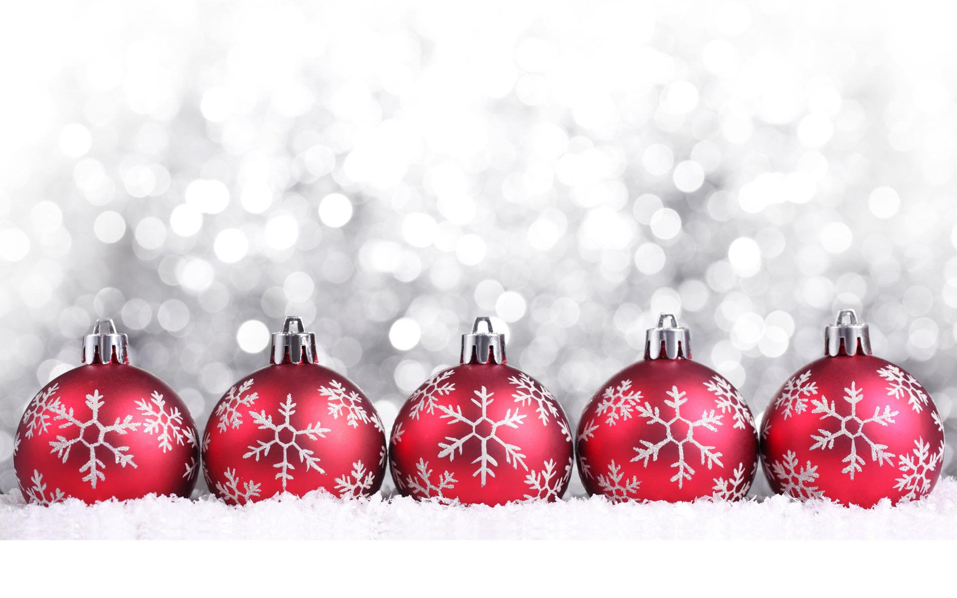 Red-Christmas-decorations-christmas.jpg