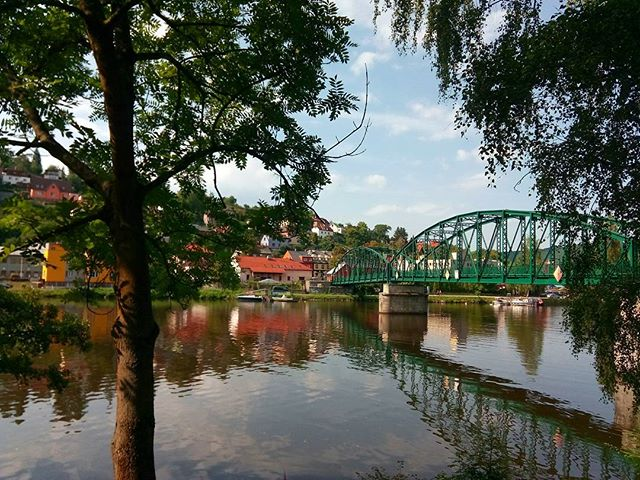 The riverfront village of Davle, and its marvelous green #bridge.  #outtherecz #getoutthere #CzechRepublic #hikecz #summersend