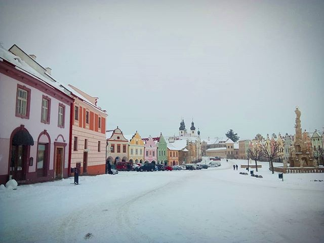 On the way out of beautiful #Telč on this snowy Sunday morning. Back to the city I go.  #travel #cz #outhereCZ #getoutthere #CzechRepublic #CZ