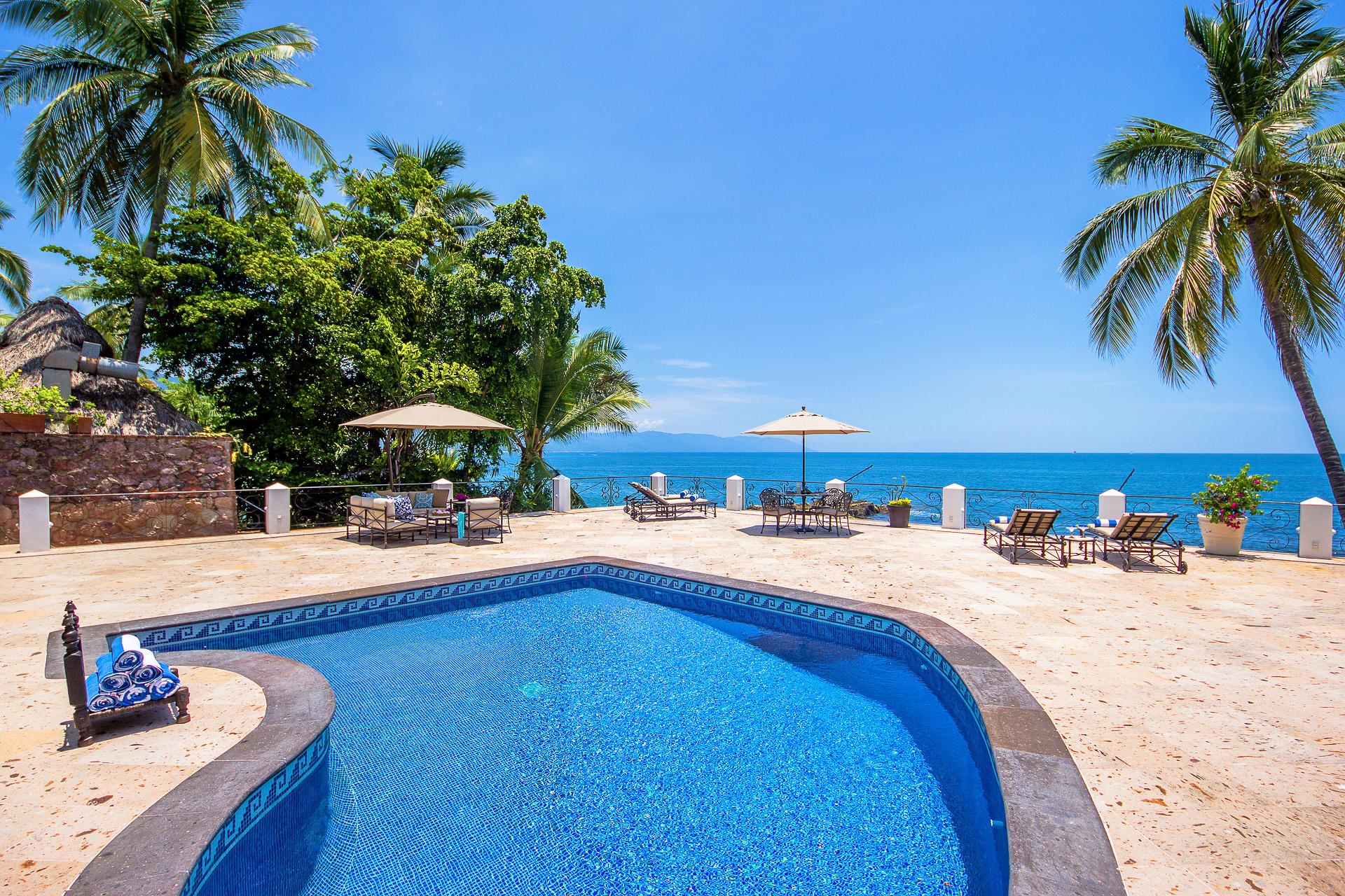 Vacation Vallarta Villa Verde Pool