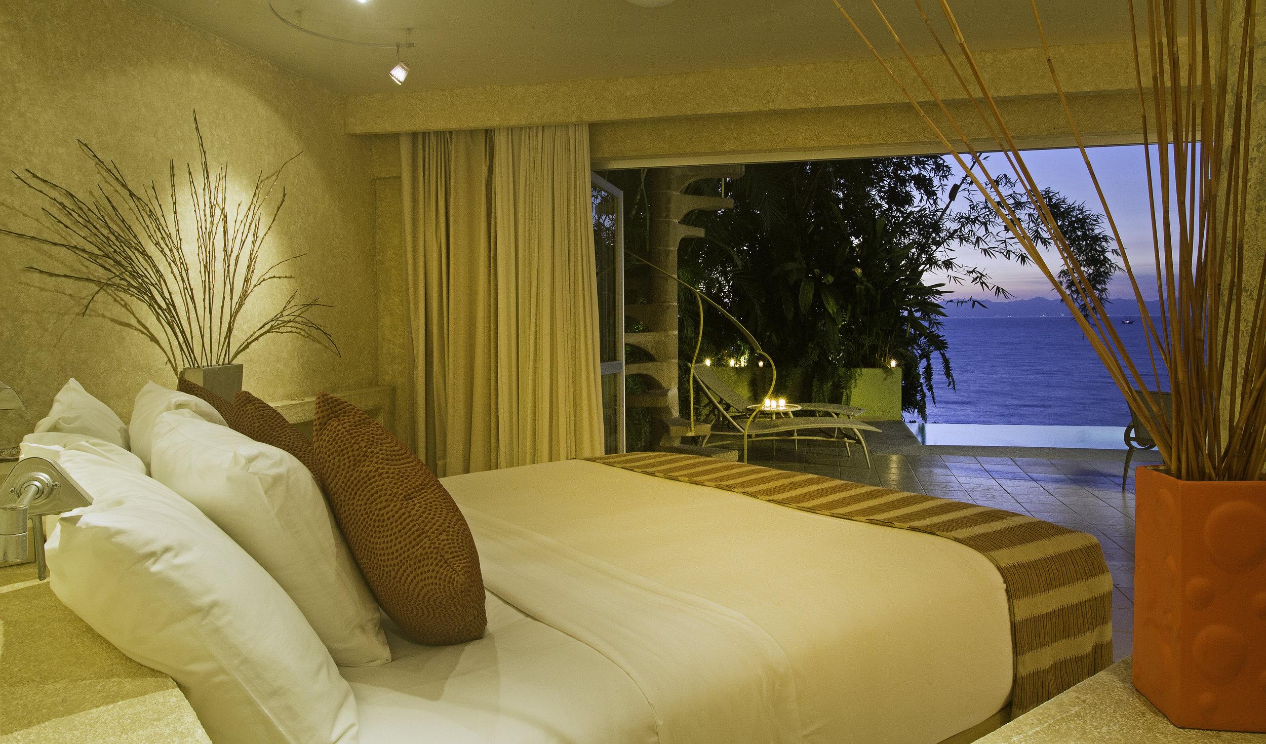 Vacation Vallarta Beachouse Bed