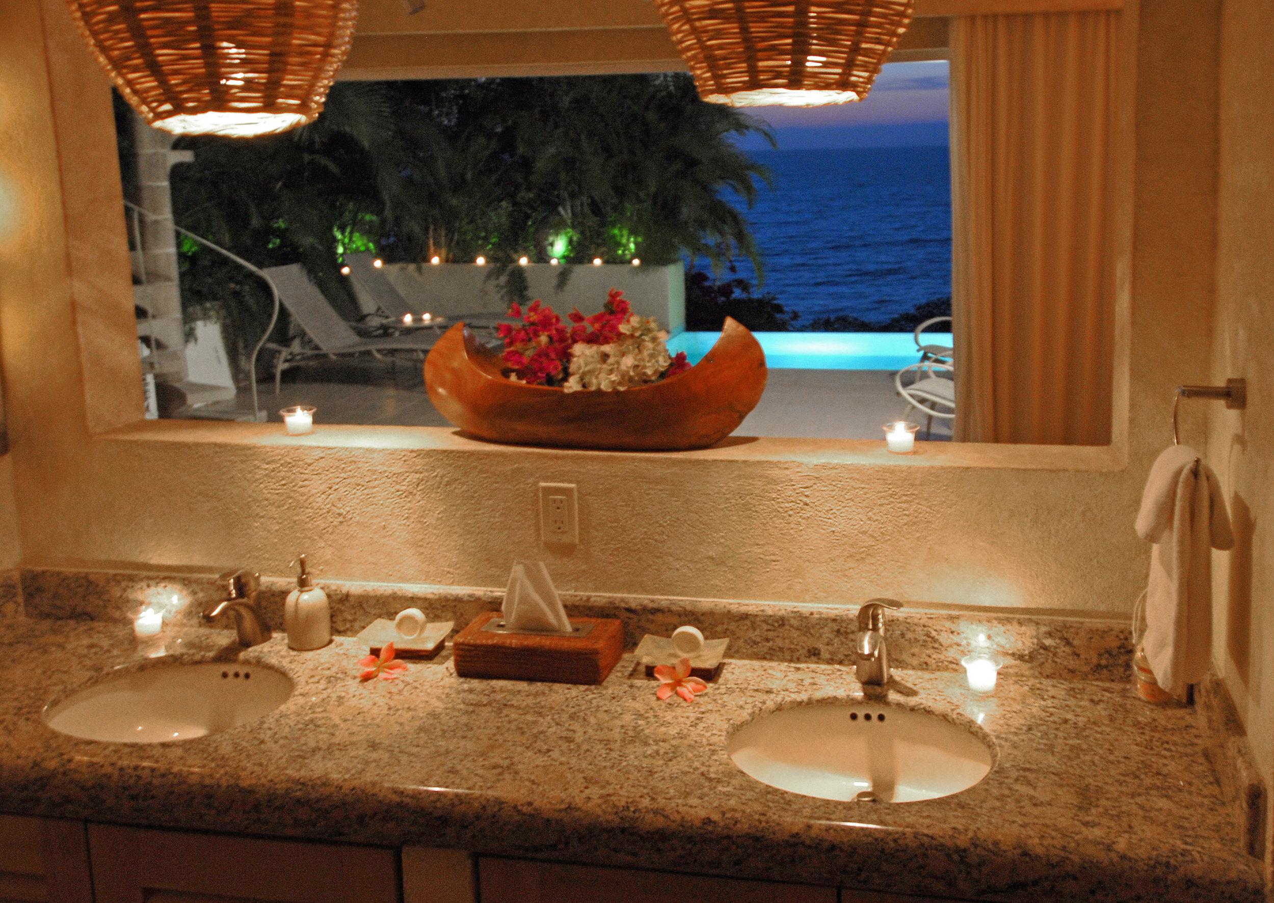 Vacation Vallarta Beachouse Bathroom