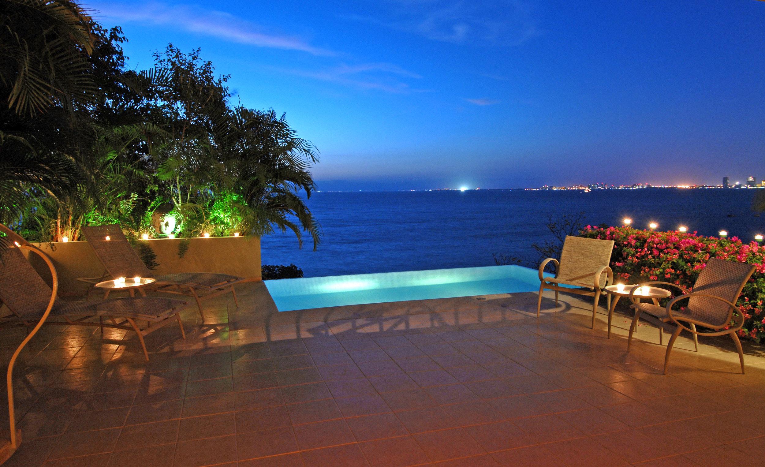 beachouse infinity pool