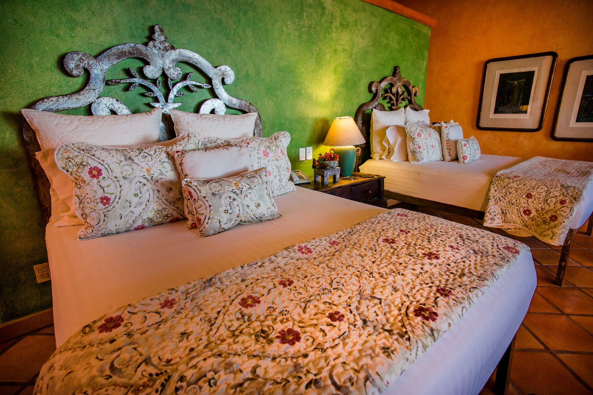 Estrella Mar Poolside Suite Bed - Smaller Version.jpg