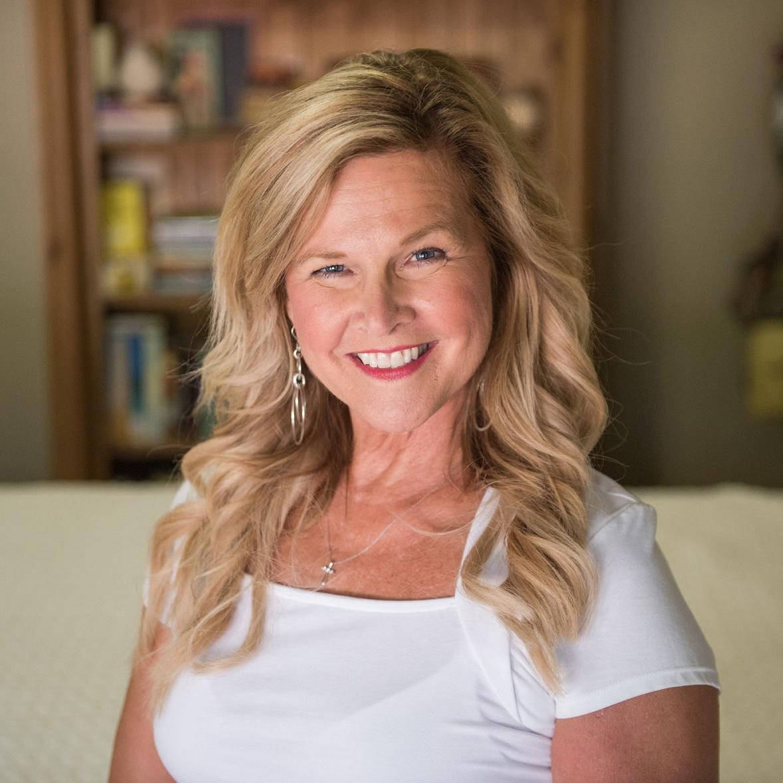 Donna Wyland Headshot