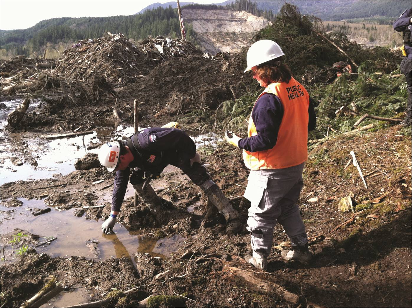 Snohomish Health District Employees conducting emergency response after the Oso mudslide. PHOTO CREDIT: Snohomish Health District