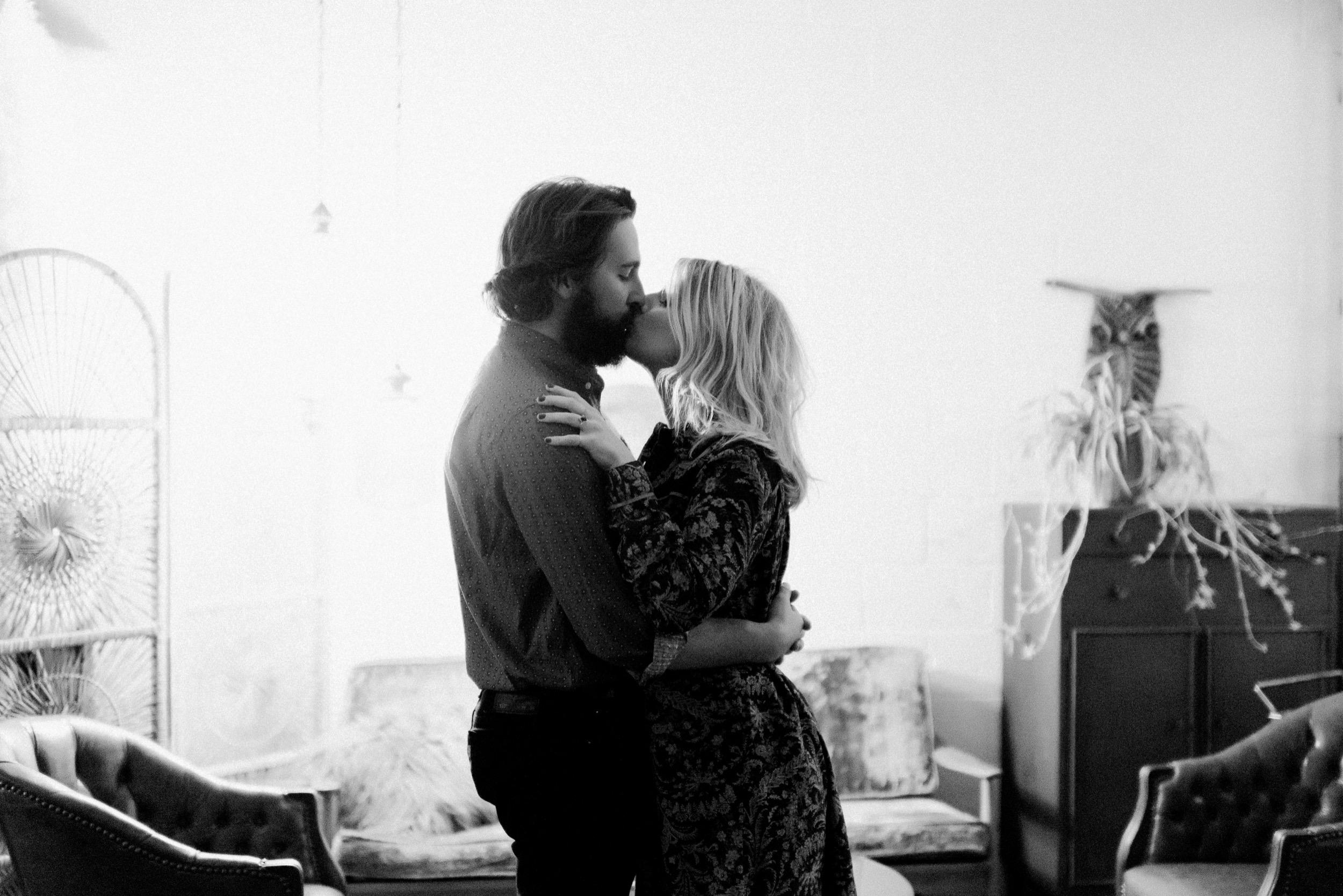 Josh&Becca-1076.jpg