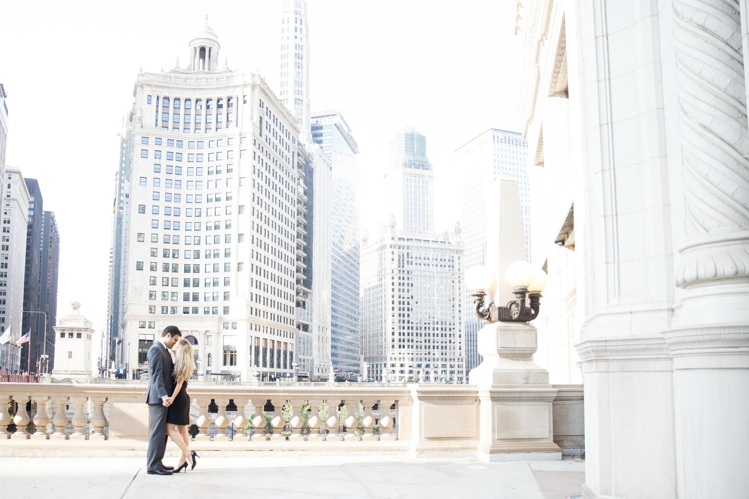 LisaDiederichPhotography_Landon&Ramsey_ChicagoEngagement-6.jpg