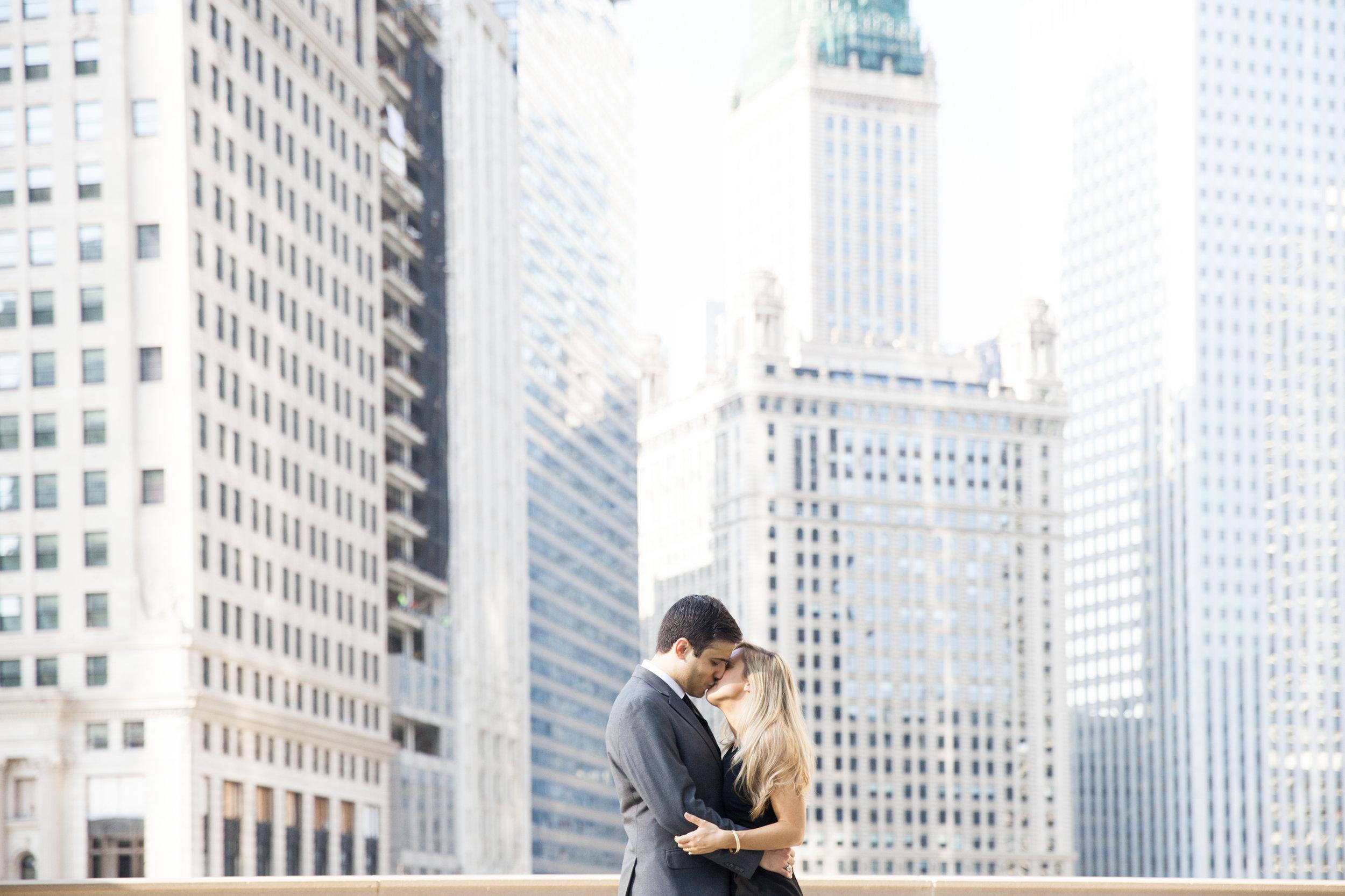 LisaDiederichPhotography_Landon&Ramsey_ChicagoEngagement-10.jpg