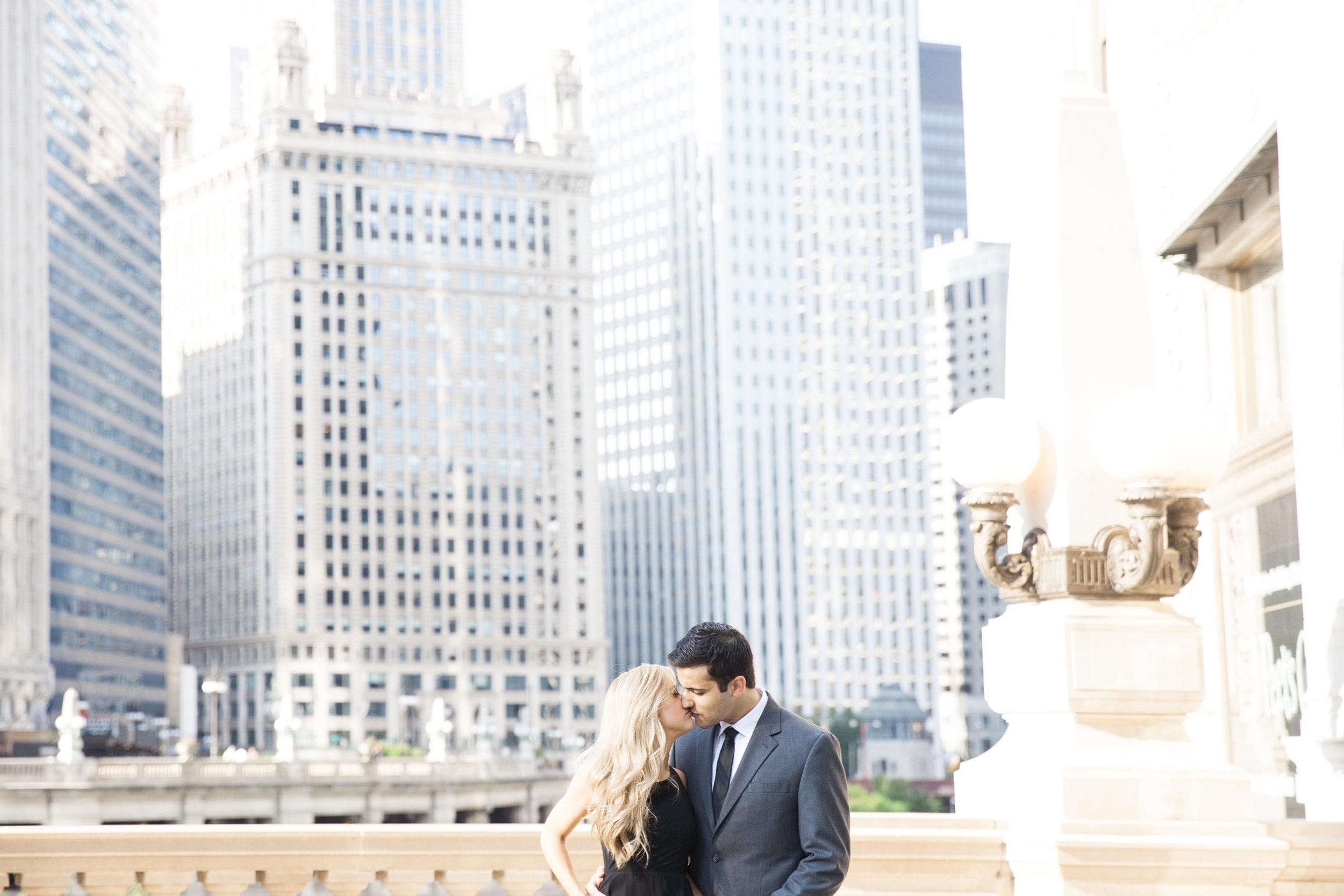 LisaDiederichPhotography_Landon&Ramsey_ChicagoEngagement-26.jpg