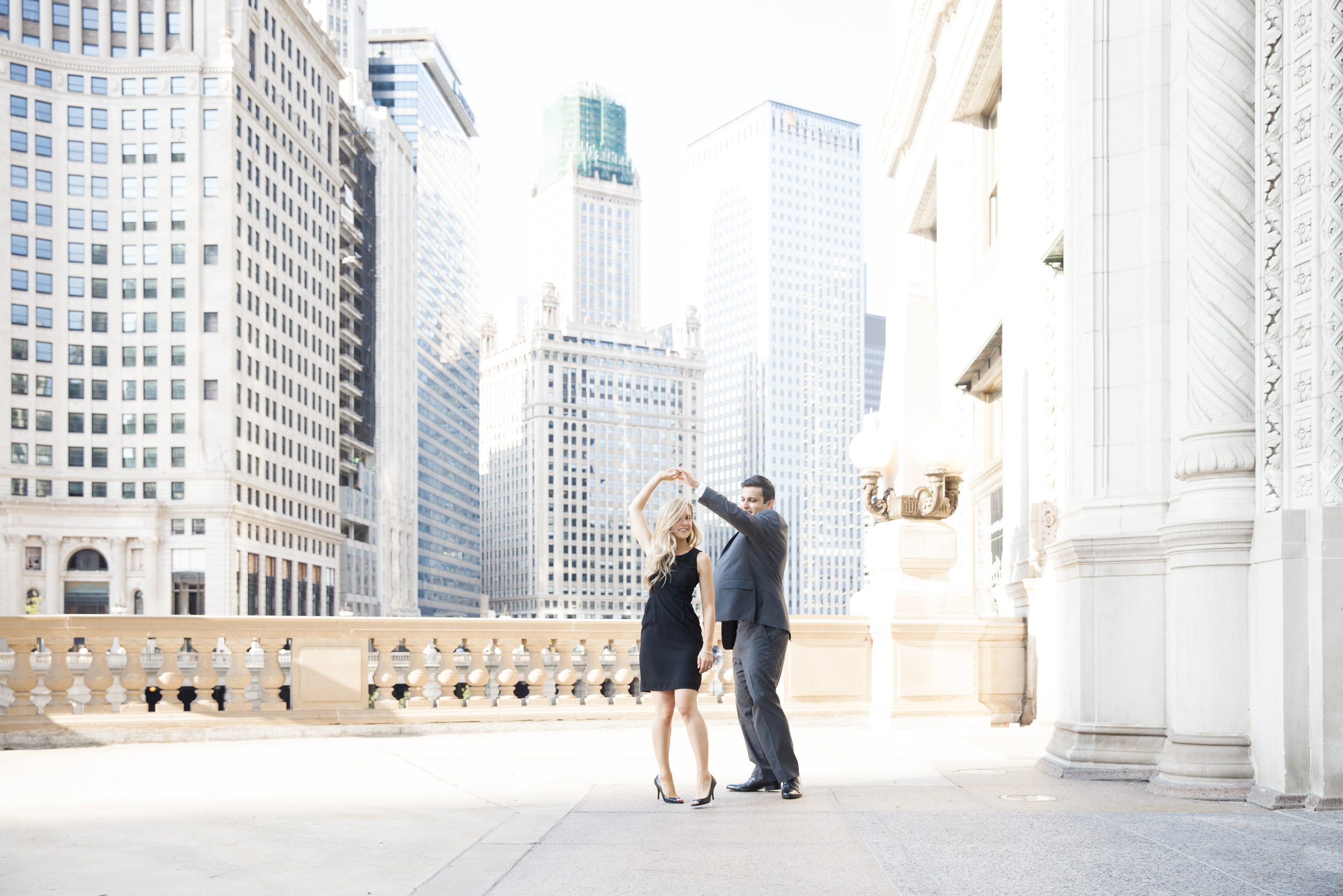 LisaDiederichPhotography_Landon&Ramsey_ChicagoEngagement-30.jpg