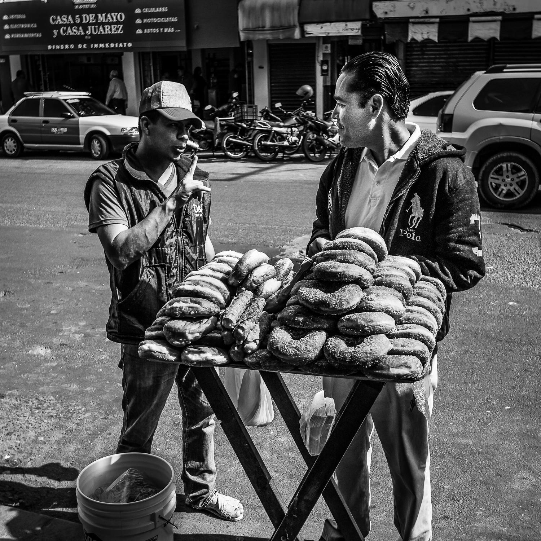 Los Vendeores de Comida en la Calle