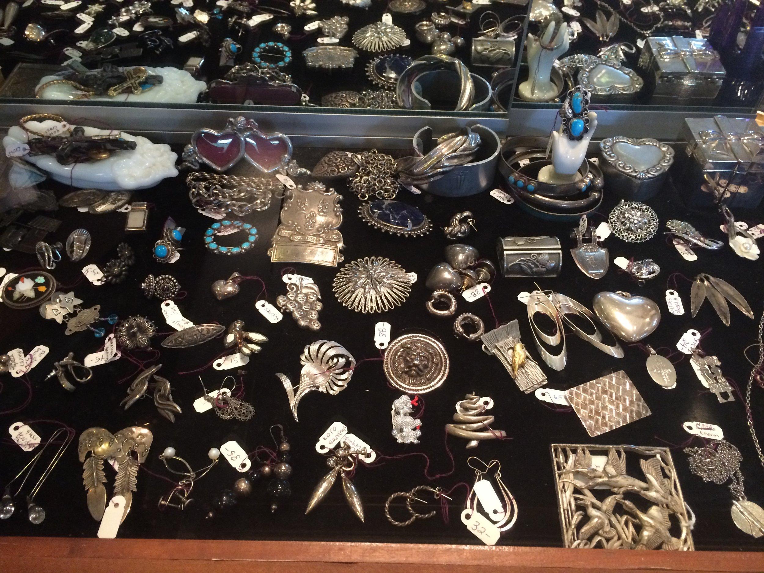 Vintage Jewelry (9).JPG
