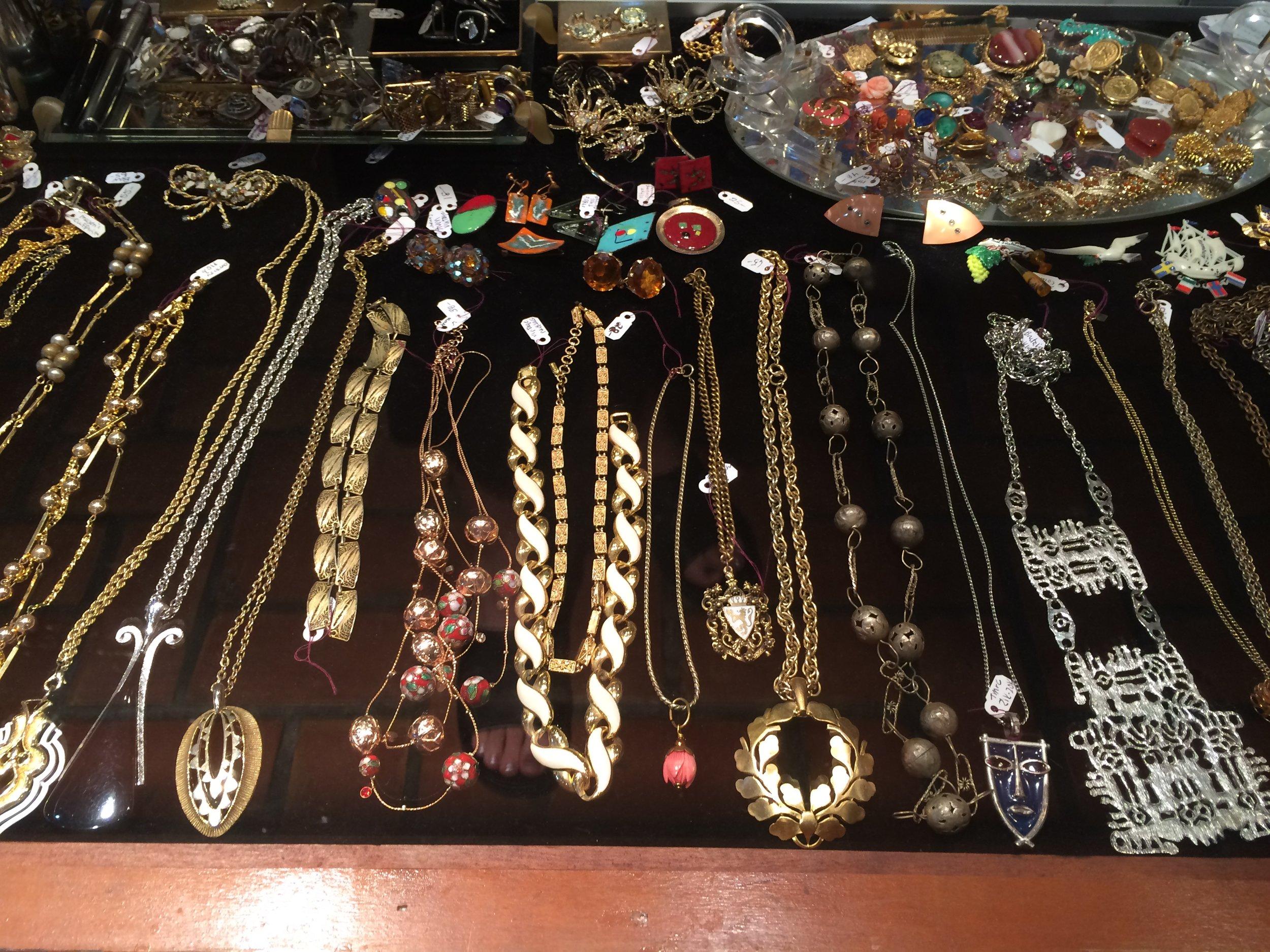 Vintage Jewelry (2).JPG
