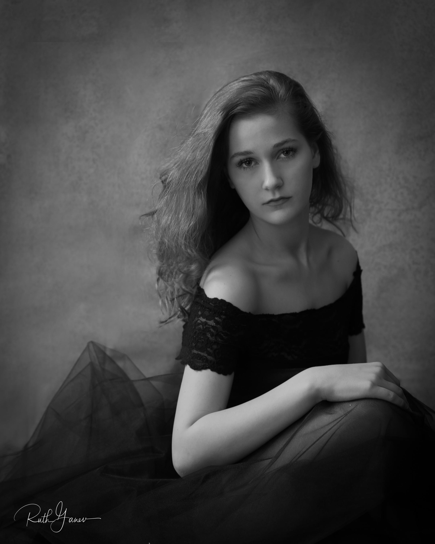 Anna--10.jpg