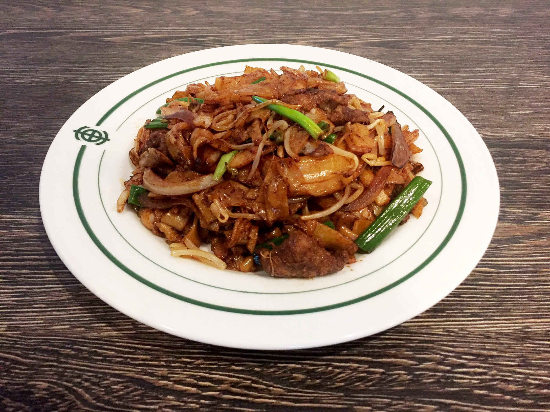 FRIED RICE NOODLES WITH BEEF | 乾炒牛河