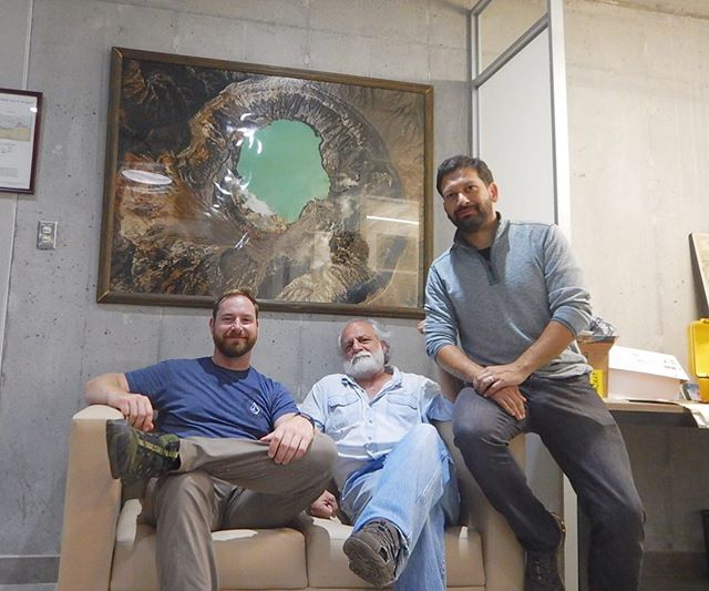 Hace unos días nos visitó nuestro querido amigo y colega Michael • Our dear friend, colleague, and fellow #minesalumni Michael visited our office during his recent trip • #geologos #geologists #geotestsalondelafama #Geotesthalloffame