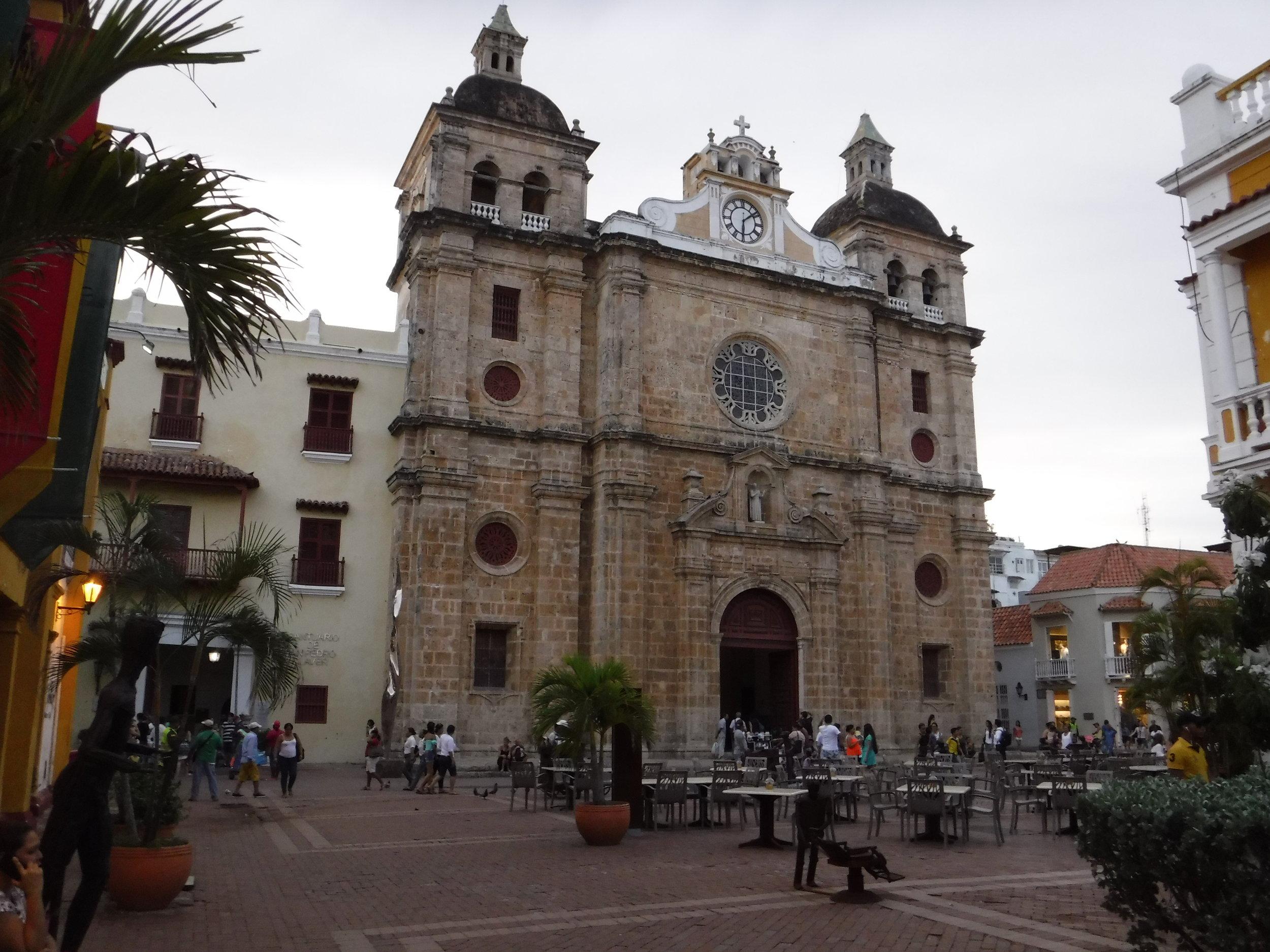 Plaza1.JPG