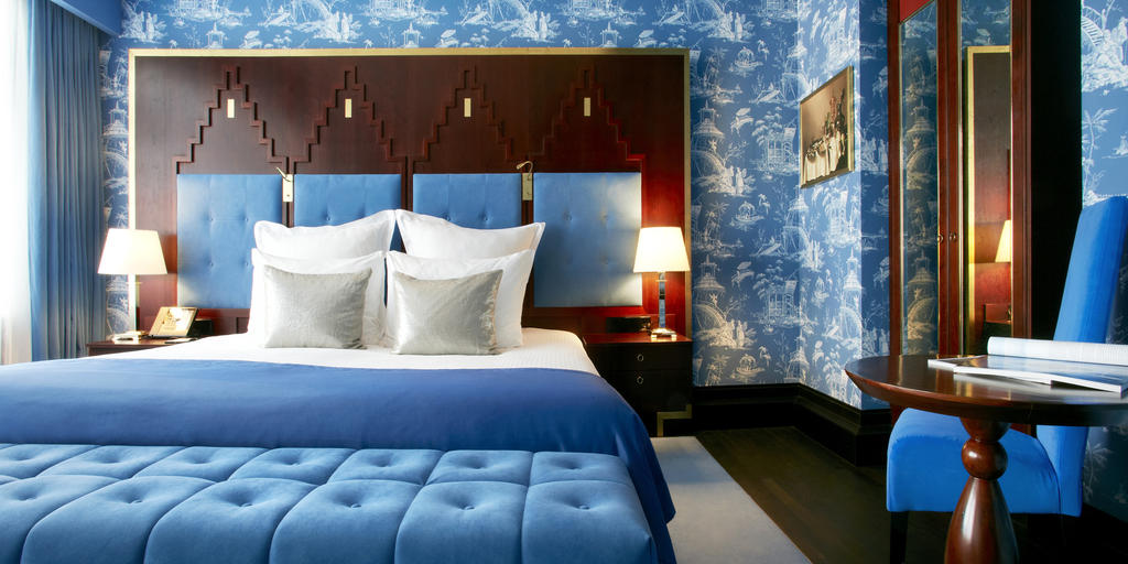 Hotel De L'Europe Room.jpg