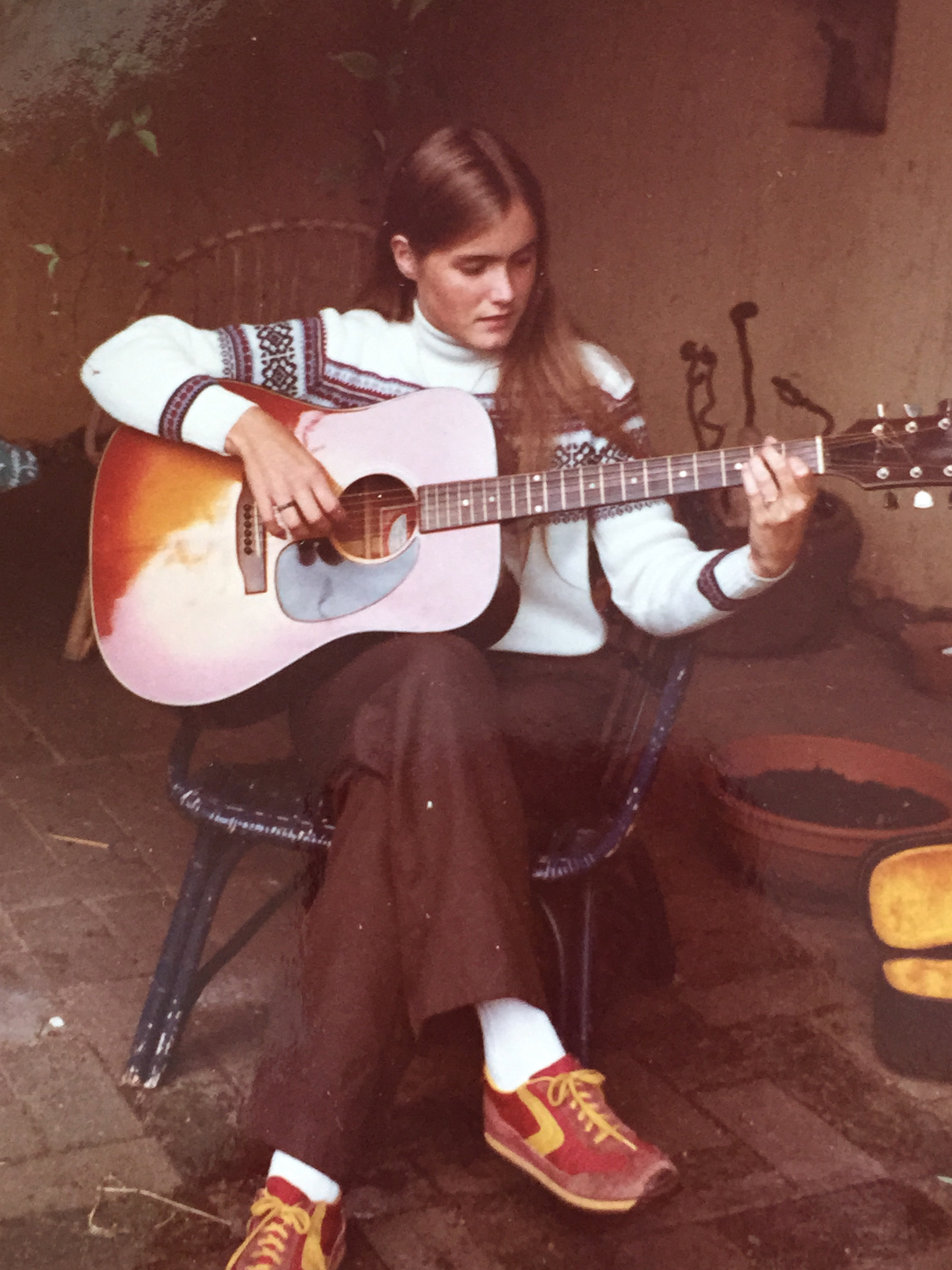 A very young Barby B. plays Joni