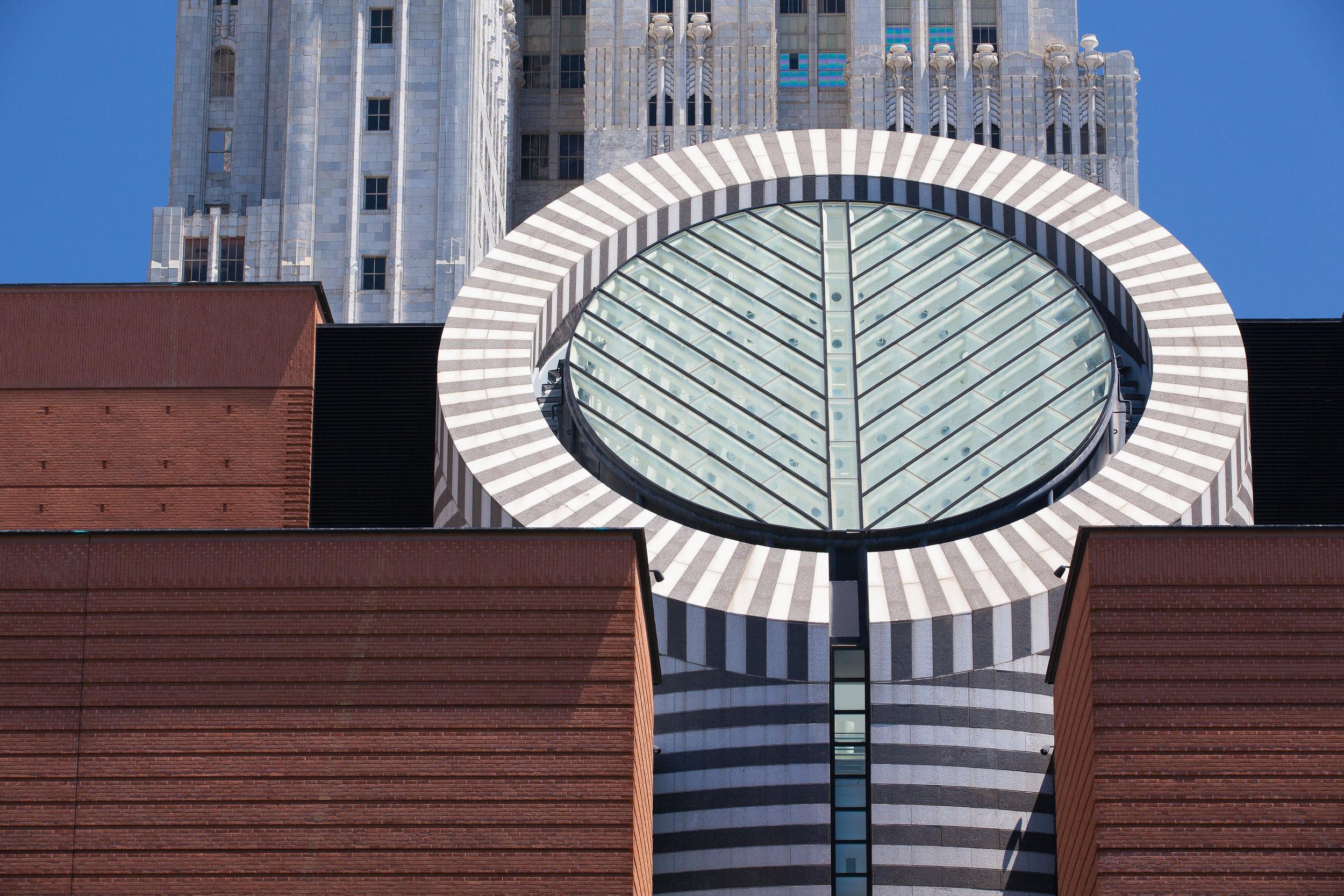 San Francisco Museum of Modern Art. Photo: Capture Light /shutterstock