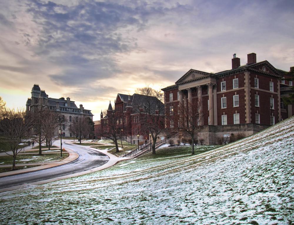 Syracuse uNiversity.photo: debra millet/shutterstock