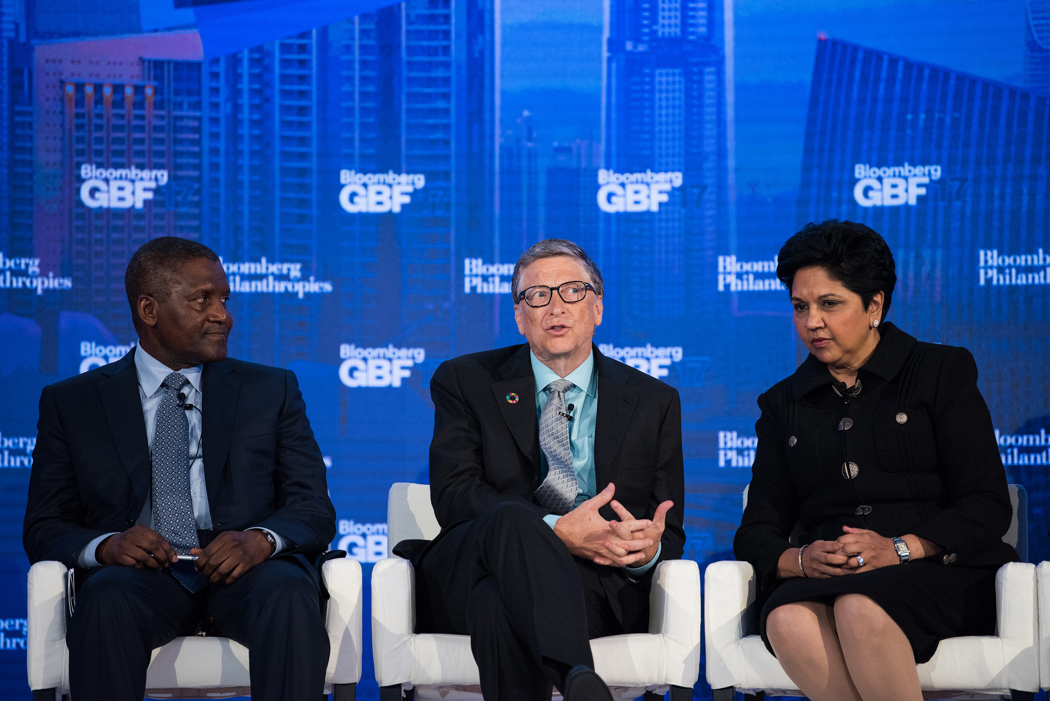 photo: Aliko Dangote with Bill Gates, and pepsico's Indra Nooyi. photo: Bloomberg global business forum/flickr-CC BY-NC-ND 2.0