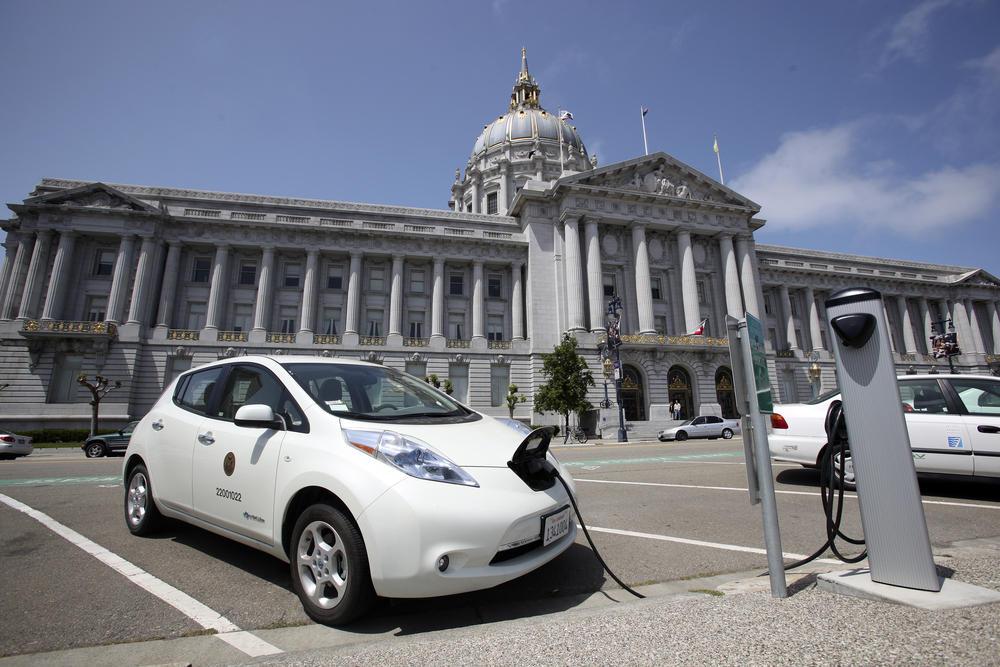 Electric vehicle charging stations line the perimeter of San Francisco's City Hall. photo: Dan Schreiber/shutterstock